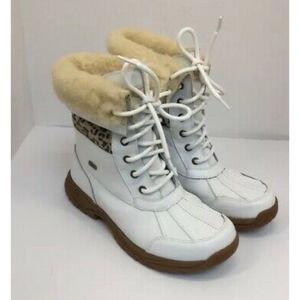 NWOB UGG Australia Adirondack Boots